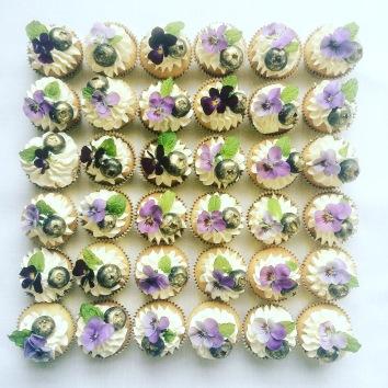 Mini cupcake garden